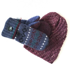 WormeWoole mittens and beanie set
