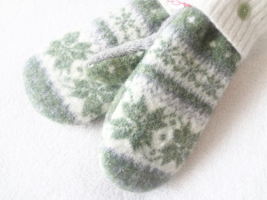 St. Patrick's Day mittens
