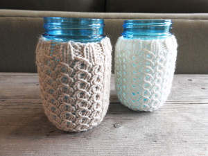 mason jar cozy from www.wormewoole.com